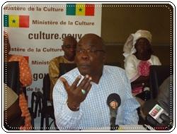 Dr Abdoul Aziz Mbaye ministre de la Culture aux artistes de Kédougou : « La région de Kédougou a plus de diamants sur son sol que d'or dans son sous-sol ».