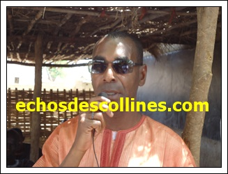 Mamadou Cissokho, président du Conseil d'Administration du Centre National de Qualification Professionnelle(CNQP), promet son soutien aux jeunes élèves du collège de Dimboli désireux de faire de la formation professionnelle.