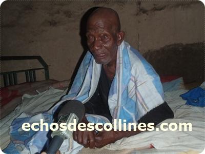 Kédougou: echosdescollines.com déniche un vieux âgé de 100 ans