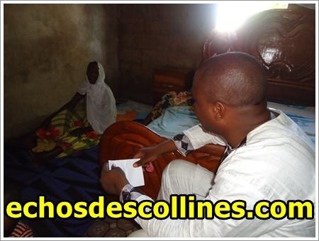 Assistance, le maire de Bandafassi, au chevet de la dame Aïssatou Dramé