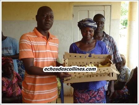 Kédougou: OSIWA et SADEV offrent un lot de 600 poussins aux femmes