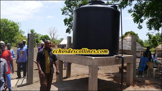 Kédougou: Mamadou Yoro Bâ, maire de Bandafassi étanche la soif des habitants de Wakilaré