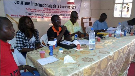 Activista célèbre les Jeunesdu Sénégal!