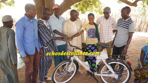 Kédougou: APECEK soulage la jeune Aïssatou Diallo de …
