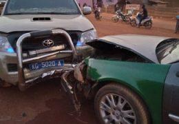 Kédougou : Distraction au volant, deux véhicules se cognent à Fadiga
